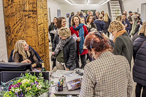 "Opening of the solo exhibition ""Connected"" and book signing - Galerie Wolfsen ´20."